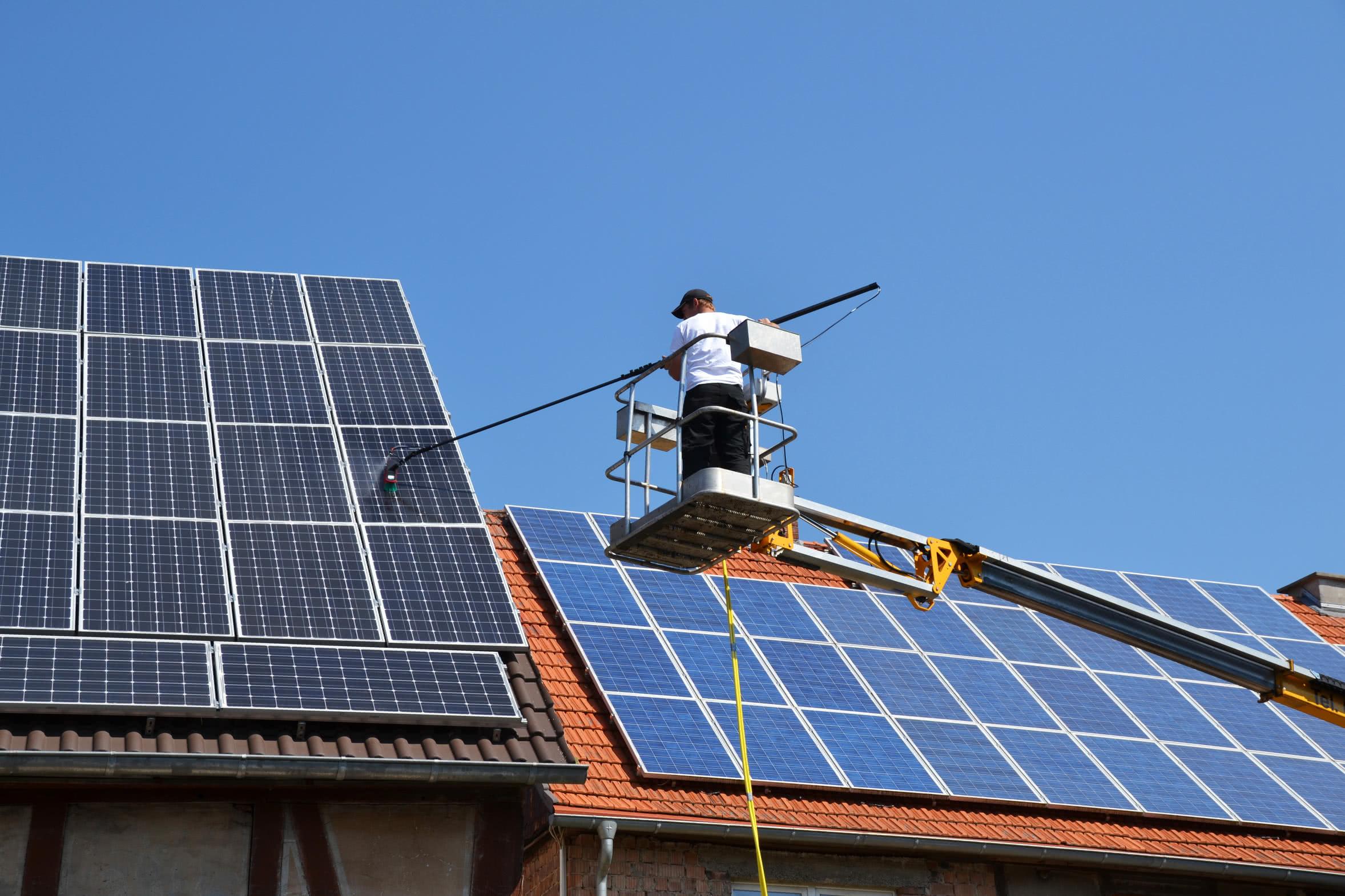 Industrielle Reinigung Solarreinigung